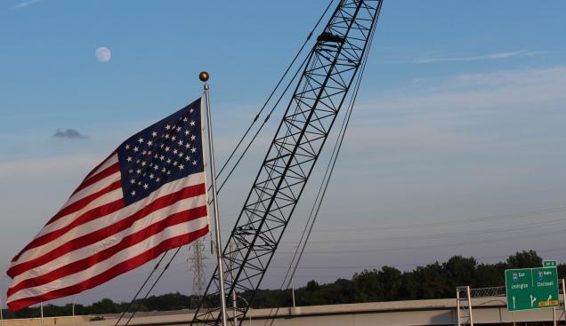 flag-crane